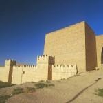Abbattute anche le mura di Ninive, Califfato peggio dei Talebani