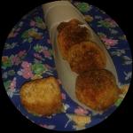 Polpette di pane svuota frigo con chili, svizzero e proscitto