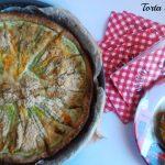 Torta salata senza glutine e vegetariana con fiori di zucca e zucchine